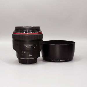 CANON, EF85mm f1.4 L IS USM0